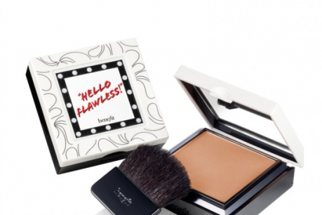 MacIntyre's Choice April Beauty Benefit Hello Flawless